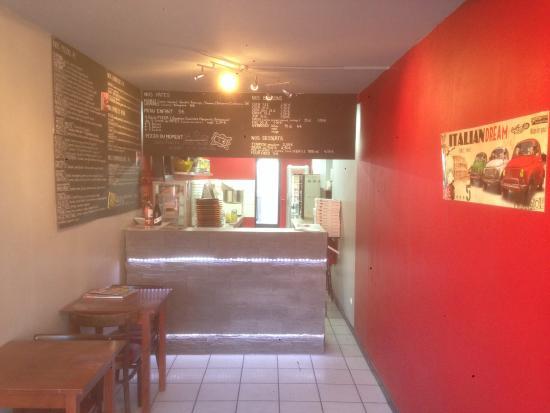 Comines, France : La pizzeria