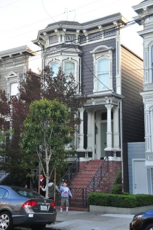 full house house at 1709 broderick street picture of painted ladies san francisco tripadvisor. Black Bedroom Furniture Sets. Home Design Ideas