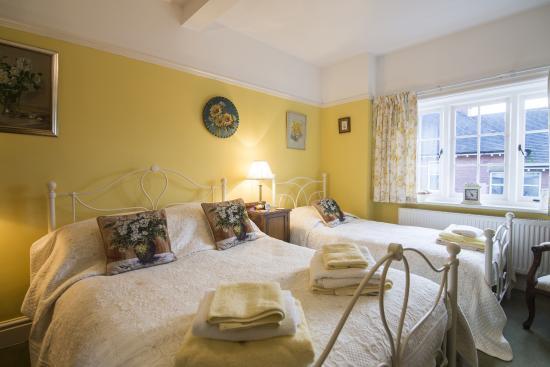 No 21: Yellow Room