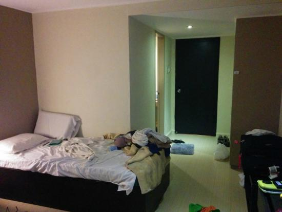 Asia Stars Hotel: our twin bedroom