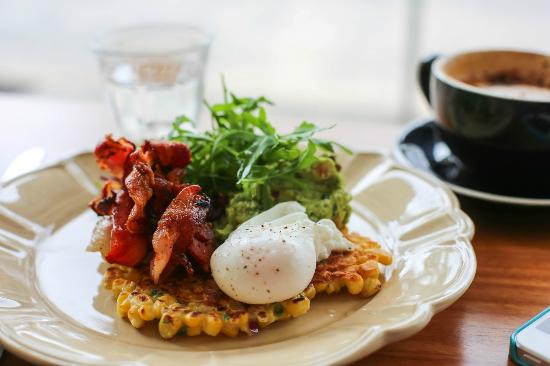 Bu-Ba-Q's Barbeque Bar & Grill: Poach Egg and Bacon on Fried Corn Fritter