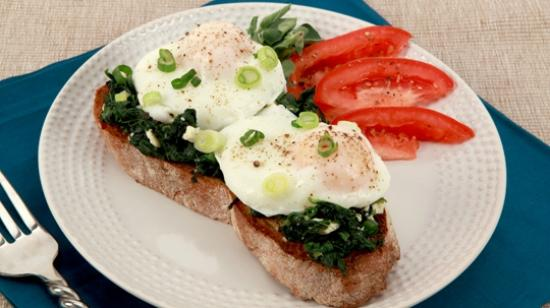 Bu-Ba-Q's Barbeque Bar & Grill: Poach Egg and Spinach on Crispy Sour Dough
