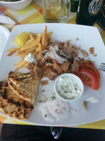 Hotel Tarsanas: Gyros, just perfect!!