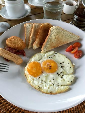 Malihom Private Estate: Egg breakfast. Select the local one : more food...