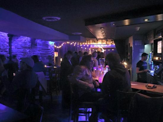 The Carlton Music Bar & Grill: inside