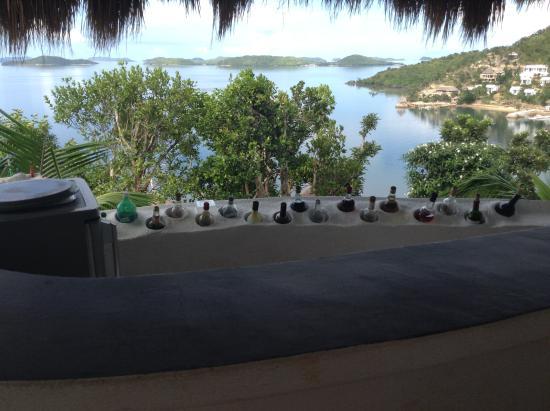 AL FARO Cosmio Hotel Palawan: Not your average bar view!