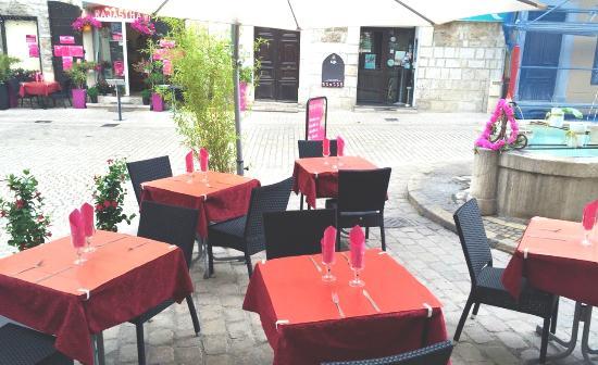 Avec l'arrivée des beaux jours Le Restaurant Rajasthan vous accueille chaleureusement avec terra