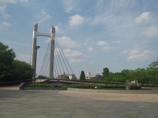 Kiba Park: 大きな橋
