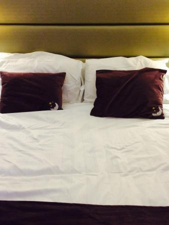 Premier Inn Pillows Review – What's