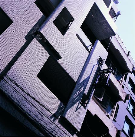 HQ Hostel Silom: HQ hostel facade