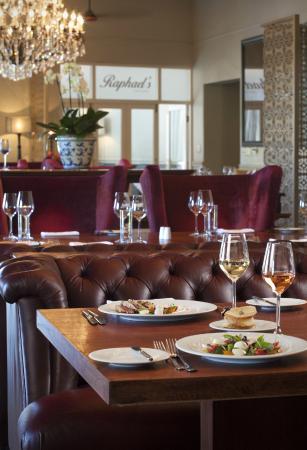 Asara Wine Estate & Hotel: Raphael's restaurant