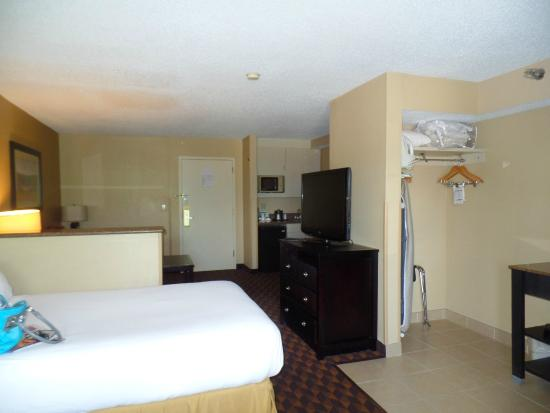 Holiday Inn Express Hotel & Suites Midtown : Desk