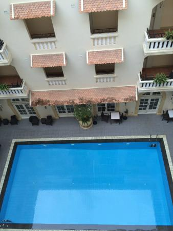 Central Mansions: View of pool from room