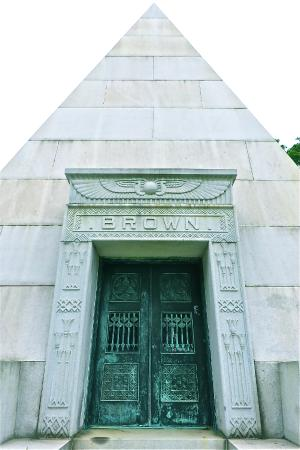 Homewood Cemetery: the Brown pyramid mausoleum
