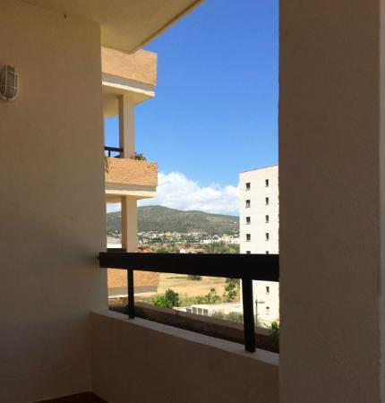 Apartments Arlanza: Balcony view of the mountains (room 401)