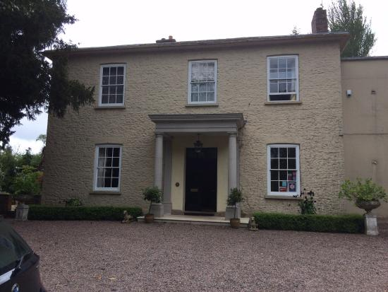 The Old Rectory Bed and Breakfast: Front of house