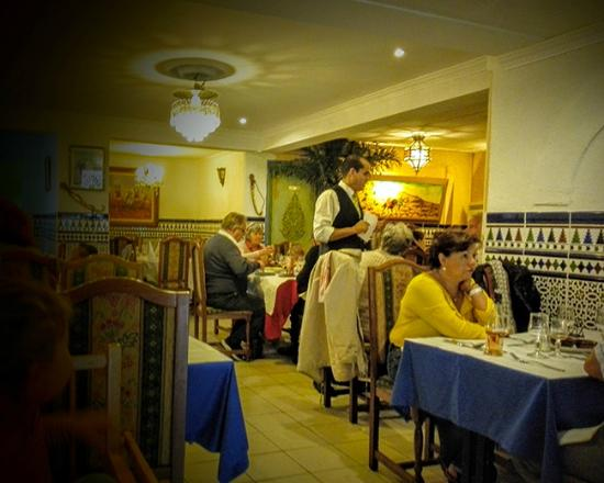 l etoile du maroc restaurant marocain pontault combault photo de l 39 etoile du maroc pontault. Black Bedroom Furniture Sets. Home Design Ideas