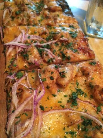 Kona Grill - Baton Rouge: BBQ chicken flatbread pizza