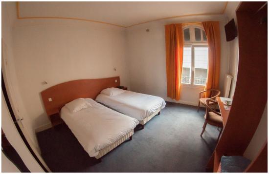 Hotel Gambetta: Chambre avec lits jumeaux