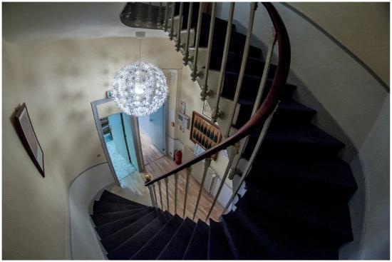 Hotel Gambetta: Escalier