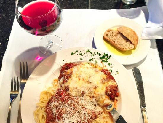 Marchitelli's : Chianti & Veal Parm. La Dolce Vita.