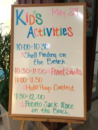 Holiday Inn Resort Pensacola Beach: Example of kids activities set up for the day