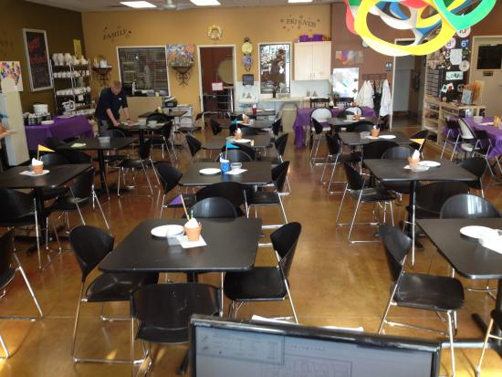 Cameron Park, CA: A creative environment with helpful staff