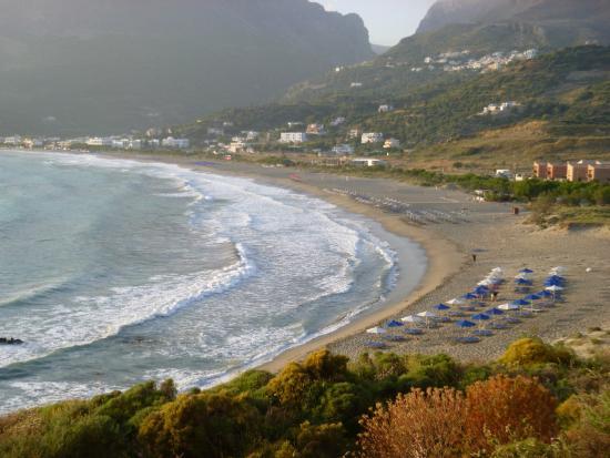 """Paligremnos Apartments: Widok na plażę z pod skały """"wspinaczy"""""""