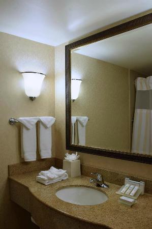 Hilton Garden Inn ColumbusPolaris UPDATED 2017 Prices Hotel