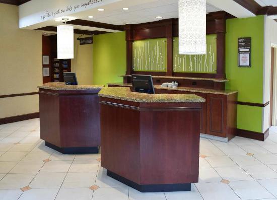 Hilton Garden Inn Columbus/Polaris: Front Desk