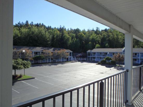 America's Best Value Inn: View of breakfast building.