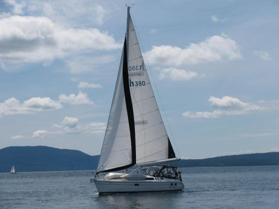 Halfmoon Bay, Canada: sailing the Georgia strait!