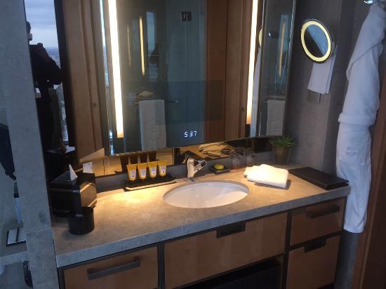 Shangri La Hotel, At The Shard, London: Bathroom (mirror TV)