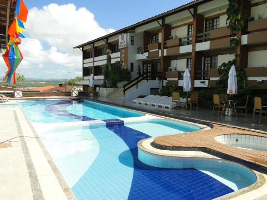 fachada-do-hotel-Village-em-caruaru