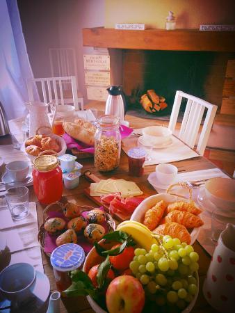 Saint Magne de Castillon, ฝรั่งเศส: Our Breakfasts