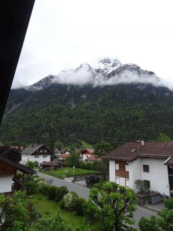 Hotel Pension Bavaria: View from the other side of the balcony