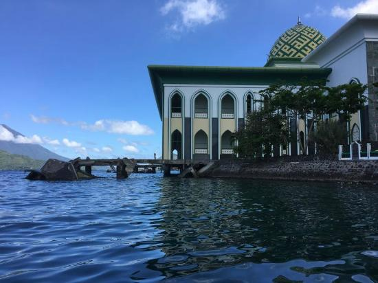 Al Munawwaroh Ternate Great Mosque