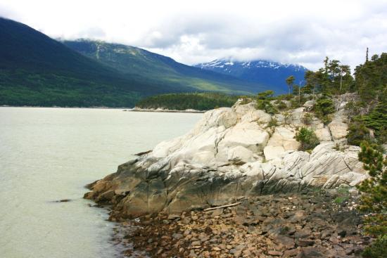Yakutania Point: View along trail