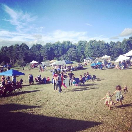 Brookneal, VA: Annual Shrimp & Wine Fest