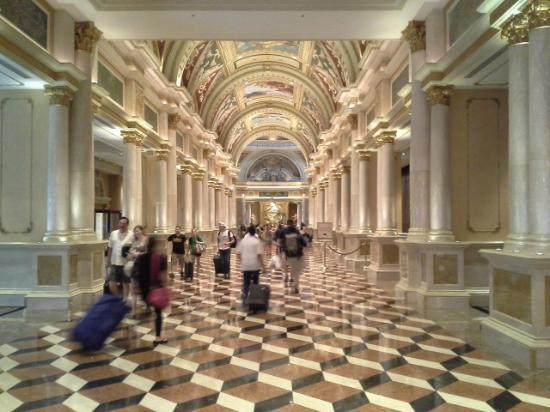 bathroom 1 picture of the palazzo resort hotel casino las vegas tripadvisor. Black Bedroom Furniture Sets. Home Design Ideas
