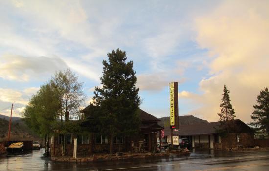 The Canyon Motel: Canyon Motel, Hot Sulphur Springs, Colorado
