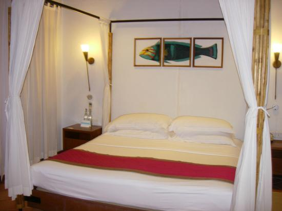 Kuramathi: Bed in beach villa