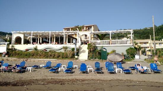 Sea Breeze Family Beach Hotel: Sea Breeze Hotel from the beach