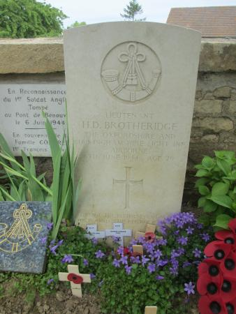Ranville War Cemetery : Lieutenant Den Brotheridge's grave