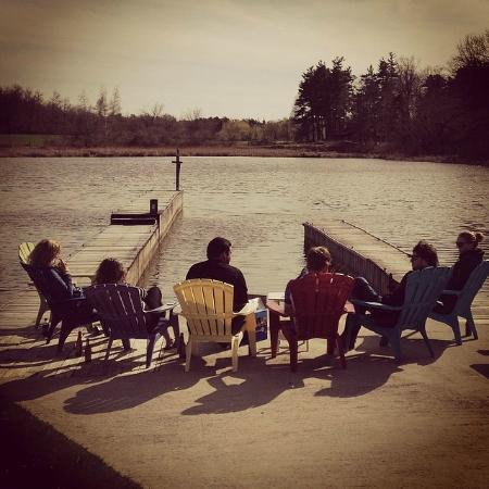 Otter Creek Inn : Relaxing at the end of the day down by the river