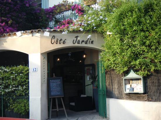 Cote Jardin : L'entrée