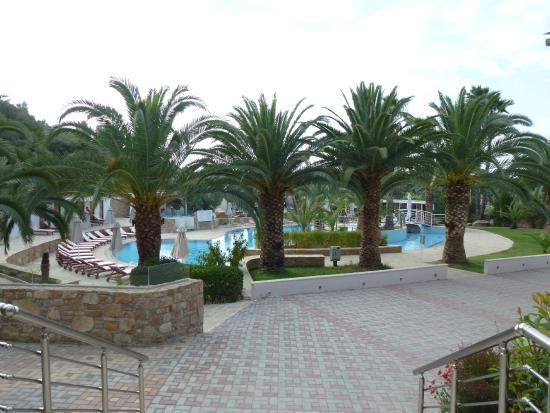 Lagomandra Hotel & Spa: Вид на бассейн