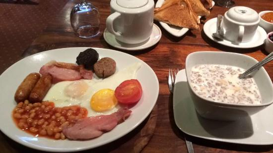 Lake Lodge Guesthouse: fab breakfast