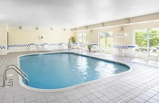 Fairfield Inn Mankato: Indoor Heated Pool