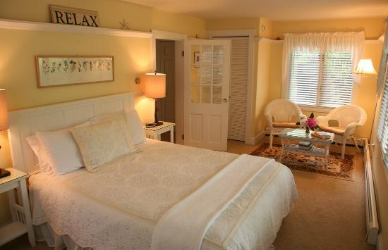 Morning Glory Inn: Rachel suite, summer feeling all over